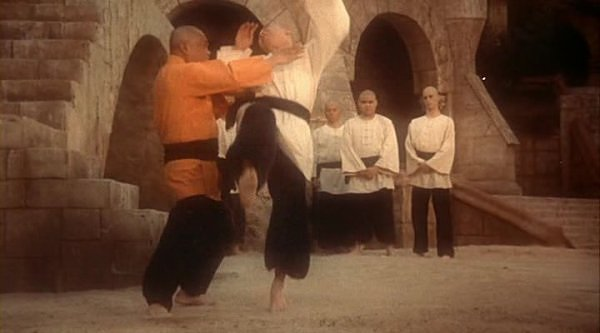 Kung Fu 1972 [Temporada 2] [MP4] [Castellano] [FS-BS]