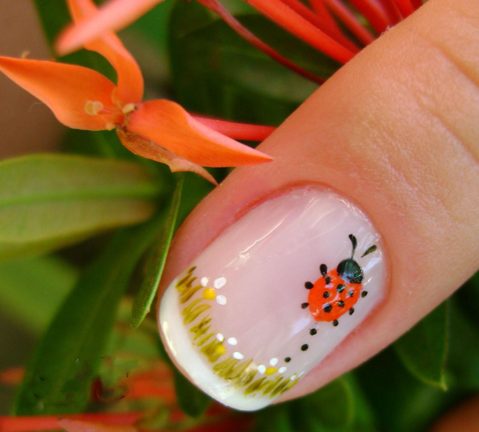 nails nail Joaninha