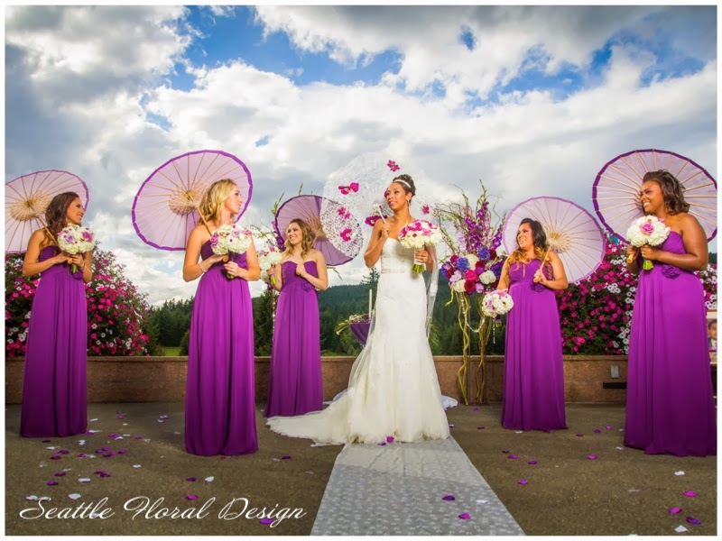 Against Purple Dresses Those Bouquets Created A Beautiful Contrast With White Ranunculus And Hydrangea Artfully Combined Calla Lily Picasso