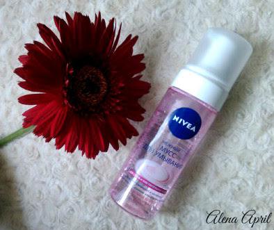 Нежный мусс для умывания от Nivea для сухой и чувствительной кожи