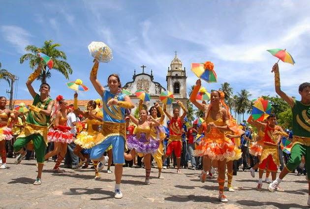 Vacances au Brésil, le Christ Rédempteur, dansent Samba, amazone aventure, plongée sous-marine au Brésil, la plage de Copacabana, la plage d'Ipanema, la vie de nuit à Sao Paolo, Brésil aventure, visites au Brésil,