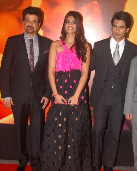 bollywood celebrities at mausam premier hot images