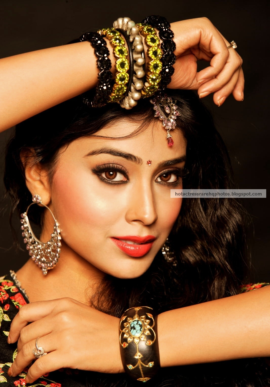 Hot indian actress rare hq photos indian beauty queen for Indian jewelry queens ny