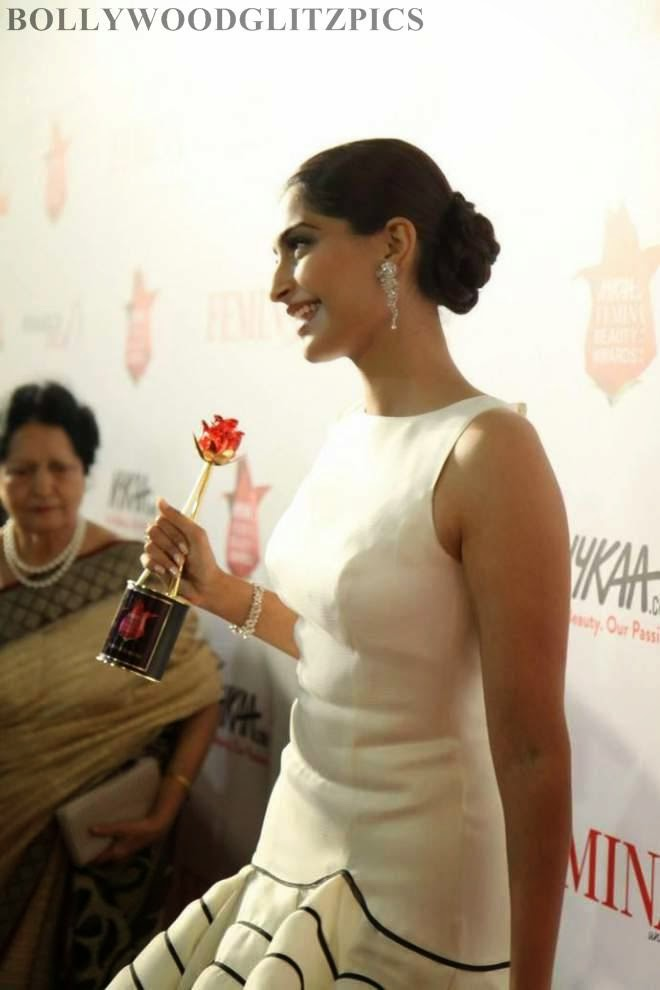 sonam kapoor award winning photos