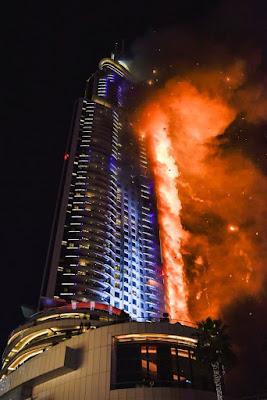 Address Downtown, пожар фасада, горит вентилируемый фасад, Адрес Даунтаун Бурдж Дубай, композитные панели горят, Г4