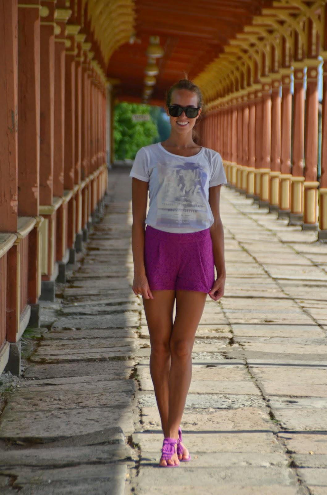 asos purple lace shorts gina tricot white tshirt