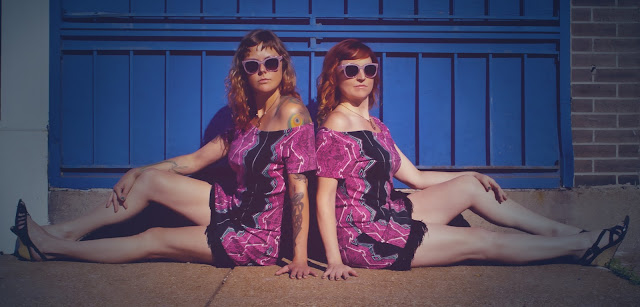 fashion photo shoot with twins and sunglasses