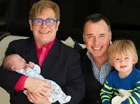 Elton John fue otro padre maduro