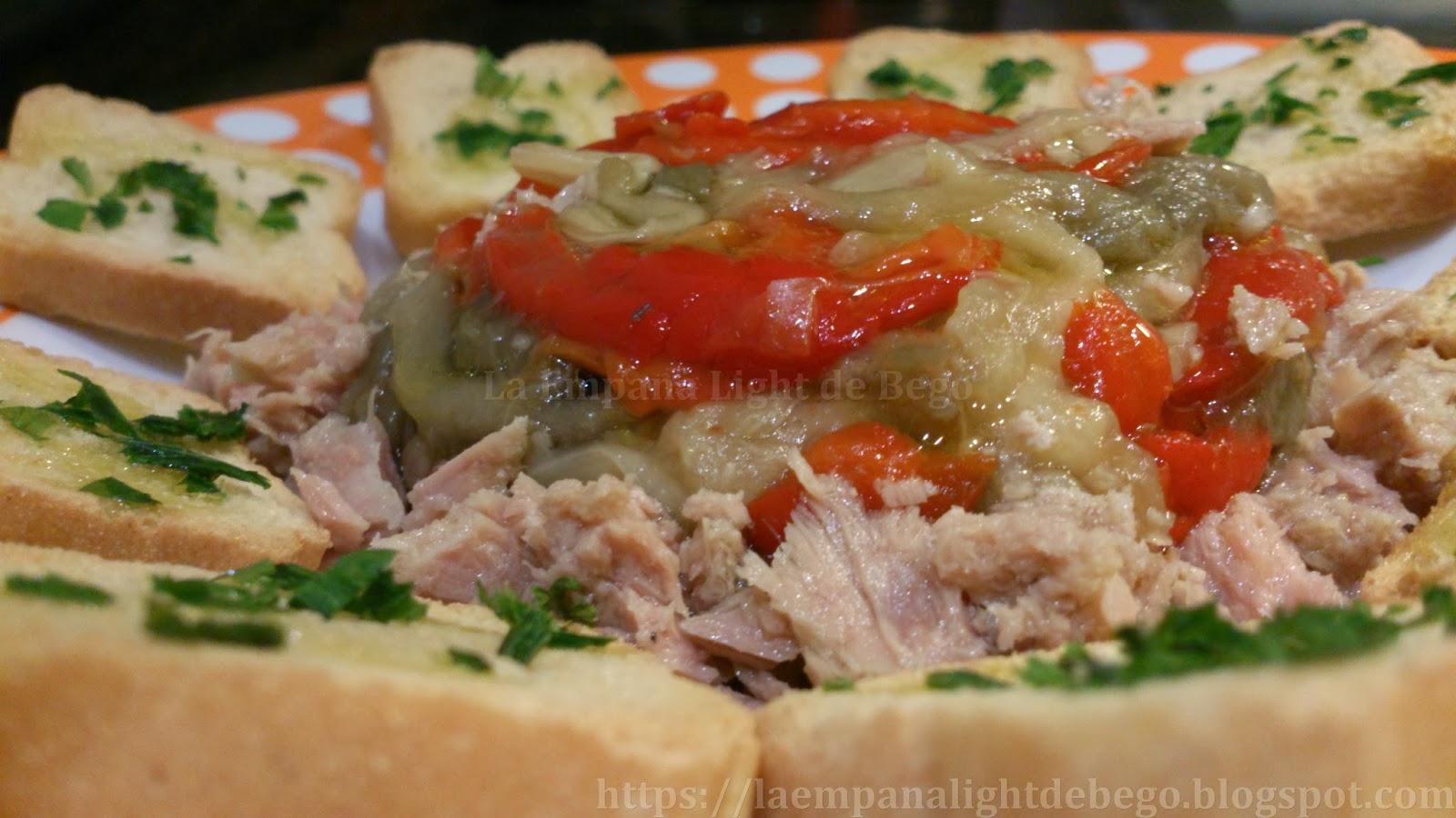http://laempanalightdebego.blogspot.com.es/2013/10/escalivada-de-berenjena-pimiento-y-atun.html