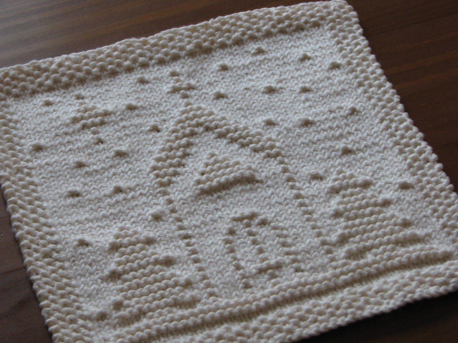 Knitted Dishcloth Pattern With Star : One Crafty Mama: O Holy Night Dishcloth