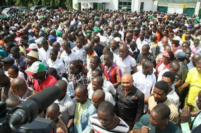 Crowd Storms Port-Harcout Airport To Welcome Wike From Abuja