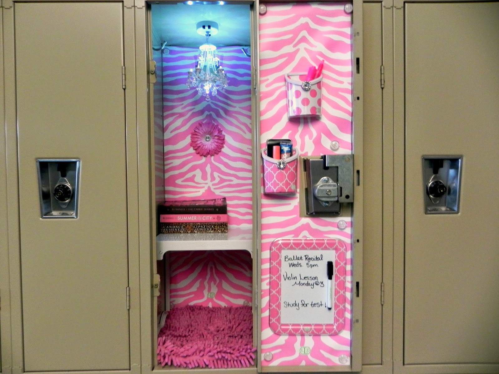 Smart n snazzy decorate your locker with llz by locker for Decoration stuff