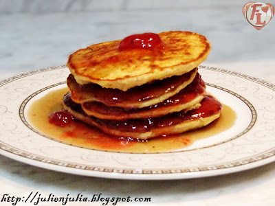 Cinnamon Oatmeal Pancakes بان كيك الشوفان والقرفة
