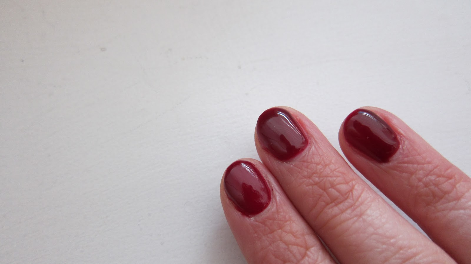 Nails of the week- OPI Gelcolor in Malaga Wine | Mrs Jones London
