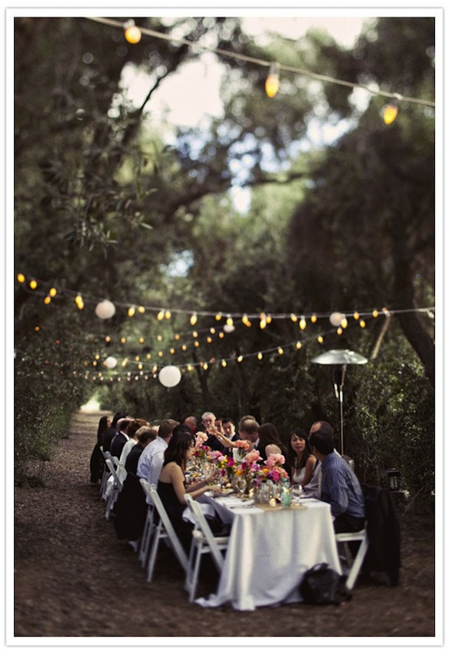 black and white outdoor wedding table decorations