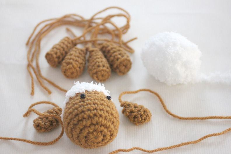 Crochet Lamb Pattern And Baby Mobile Repeat Crafter Me Bloglovin
