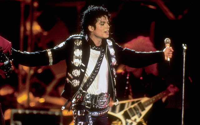 MICHAEL JACKSON THIS IS IT MOONWALK CONCERT