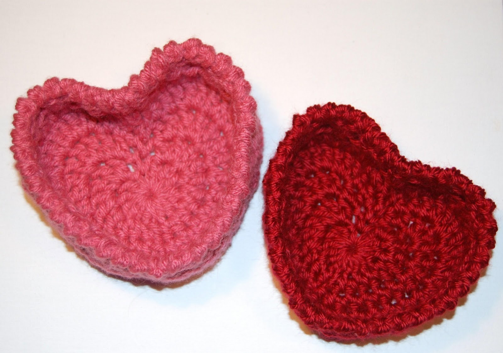 Green Mama: Crochet heart basket pattern
