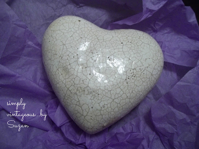 white, crackle, heart