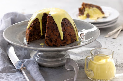 Christmas pudding with brandy-vanilla custard sauce Recipe