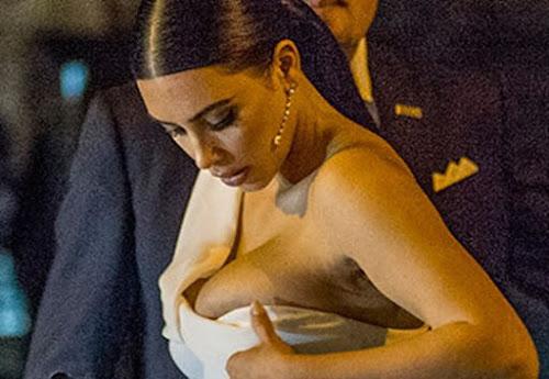 Kim Kardashian é traida pelo vestido e mostra demais!