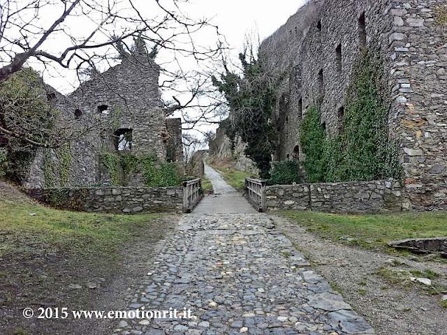 Itinerario all'interno della Fortezza di Hohentwiel nell'Hegau in Germania