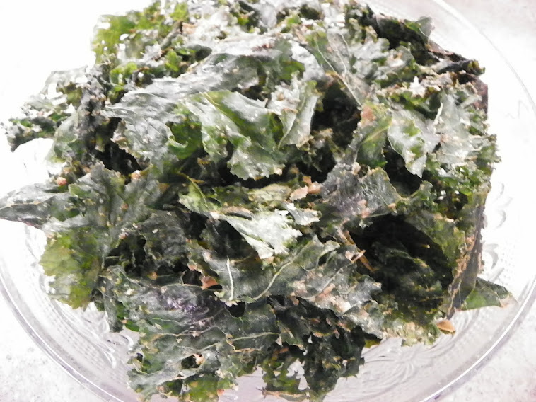 Spicy Crispy Kale Chips! The Ultimate Healthy Snack.