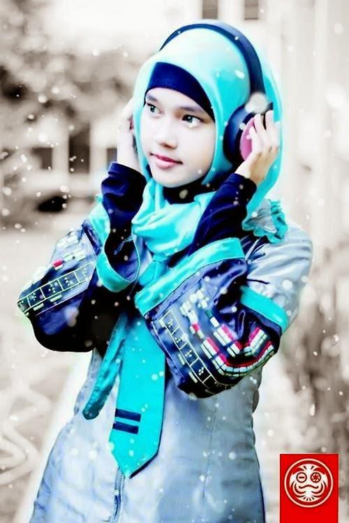 Cosplay Hatsune Miku versi hijab