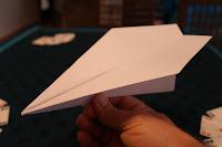 el mejor avion de papel