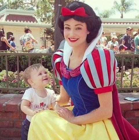 Zona Disney: Niños conociendo a sus personajes favoritos de Disney. ¡Caras que te derretirán el alma!