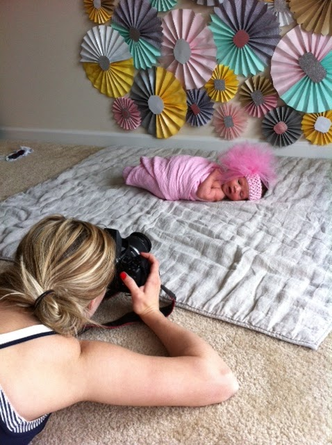 Our newborn do it yourself photo shoot a day in the life of a mom and snap the photographs solutioingenieria Gallery
