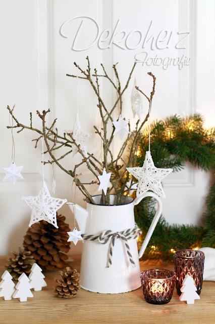 Kommode Weihnachtlich Dekorieren : Die Tür ist übrigens aus dem bayrischen Wald importiert, hihi