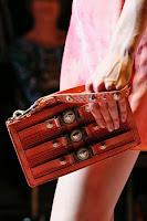Клъч чанта борсалино с мъниста и кабси на Versace