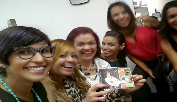 Gina Rojas y sus amigas