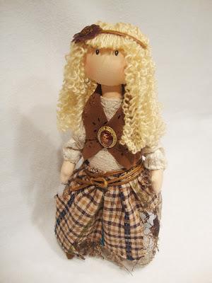 Текстильная кукла ручной работы для уюта в доме