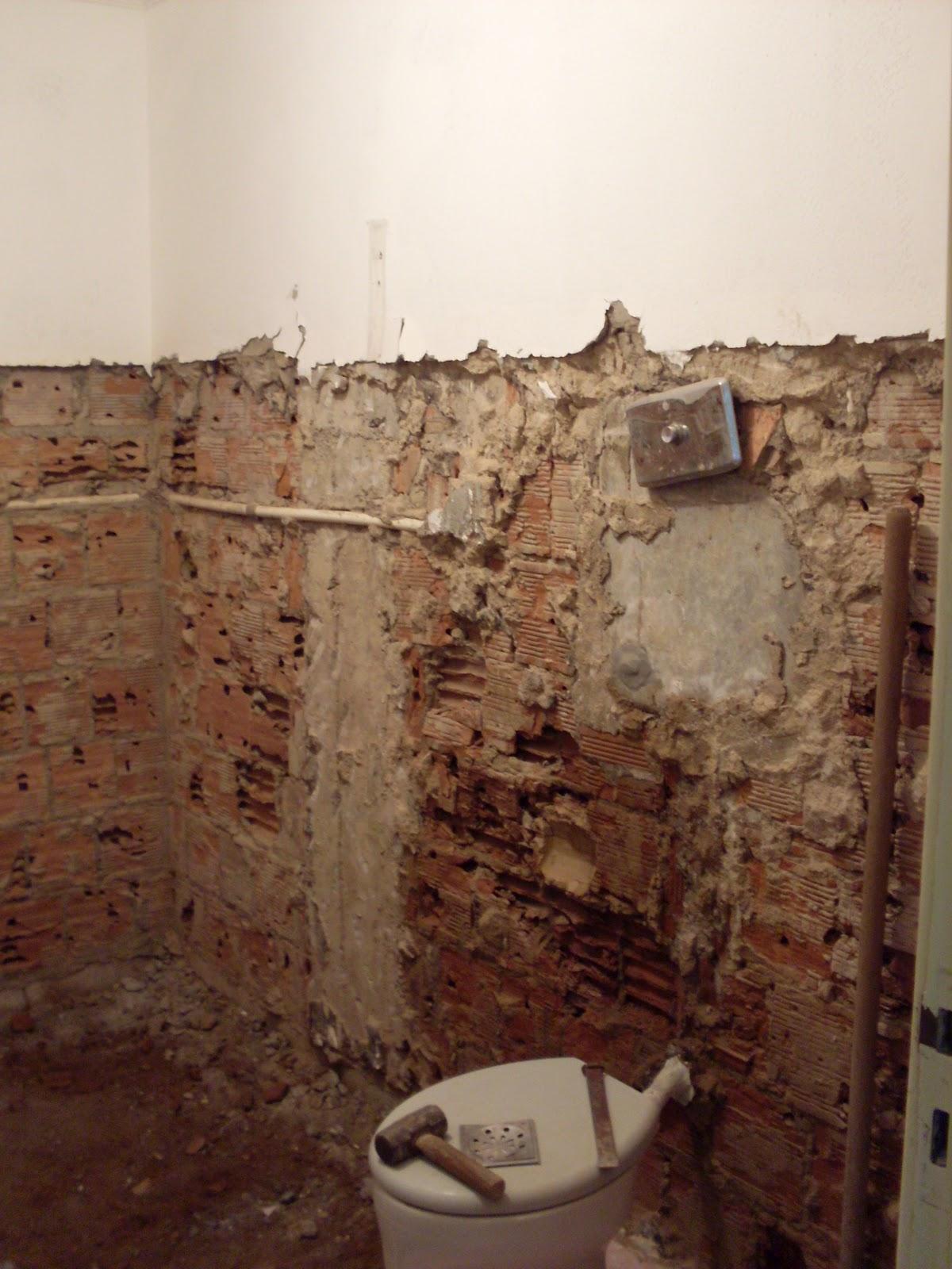 Reforma do Banheiro de 5m² (o durante) Um dia no Apê (a reforma)! #3F2019 1200 1600