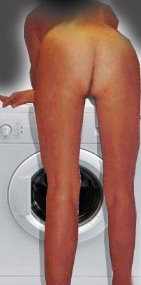 Donna Nuda In Casa Casalinga Puttana E Bona Porca Esibizionista