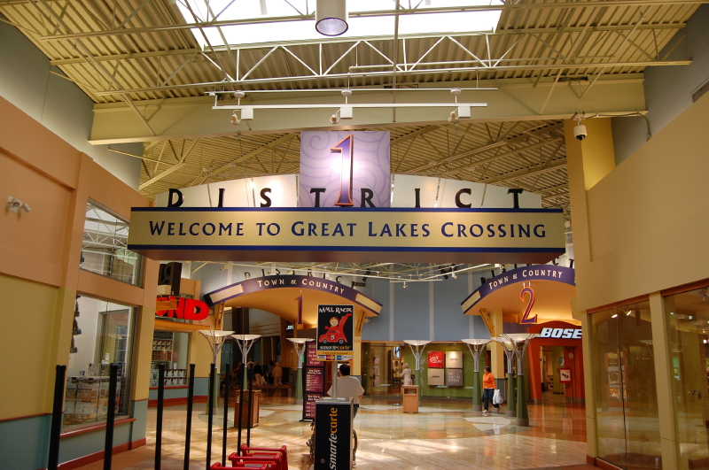 Oct 03,  · Great Lakes Crossing Outlets, Michigan's largest indoor regional outlet center and entertainment venue, is located at I and Baldwin Road in Auburn Hills. We really enjoyed the Great Lakes shopping outlets. Tons of wonderful outlet stores and a fun atmosphere. My only complaint is there just wasn't enough time/5().