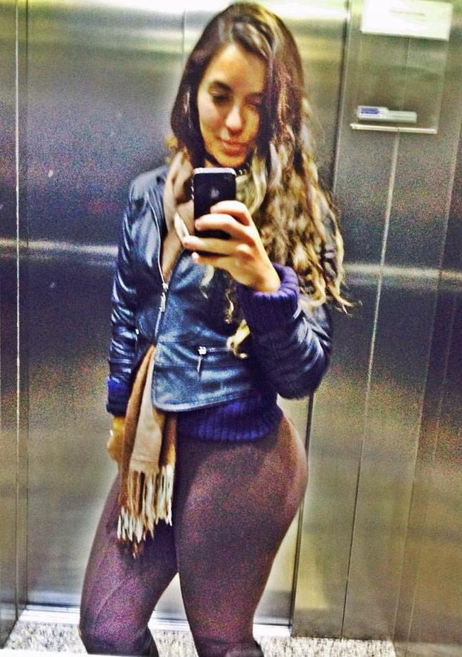 Mariella Torrez 24 Años - Perú