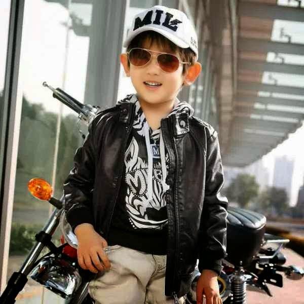 17 foto anak laki laki keren dengan gaya busana terbaik