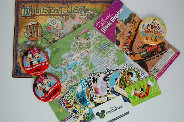 Memorabilia Disney DIY Scrapbook Kit Say Cheese Mickey Mouse Disney World Happiest Place on Earth