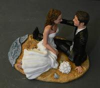 cake topper artistici sposi al mare torta nuziale statuine speciali orme magiche