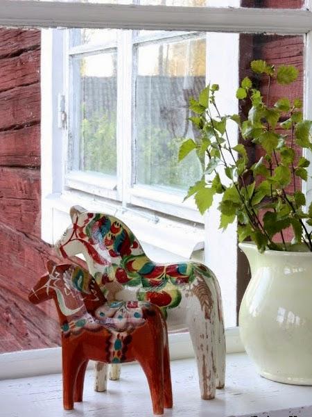 Drewniana skandynawska dekoracja do wnętrza
