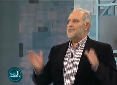 """Julio Anguita en -Pido la Palabra- (08/11/2012): """"Este es un país de delincuentes y chorizos""""."""
