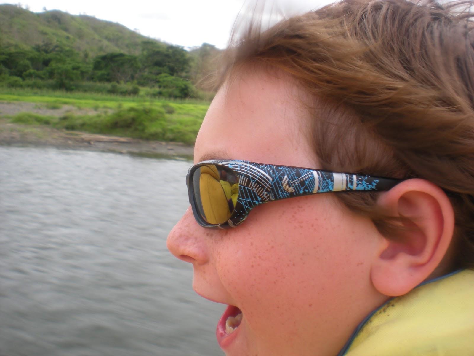http://1.bp.blogspot.com/-ywYE3IVOtCM/T4km_d9aKZI/AAAAAAAAC04/AguoKzRXnoQ/s1600/Fiji%2Btwo%2B046.JPG