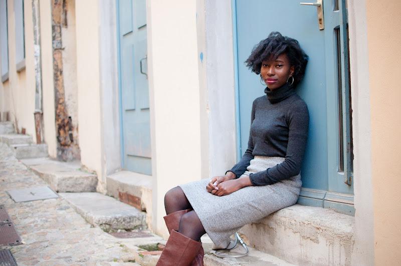 Blog-mode-jupe-crayon-bottes-hautes-afro-cheveux