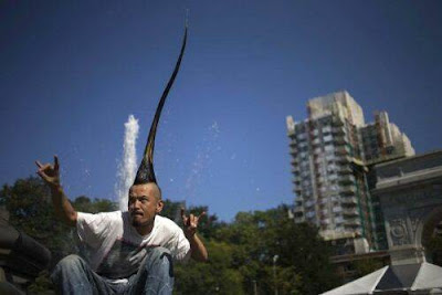 O mais alto penteado moicano do mundo