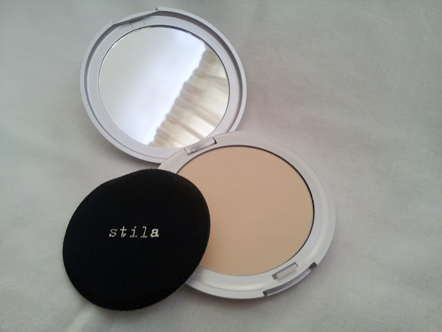 stila sheer pressed powder in light