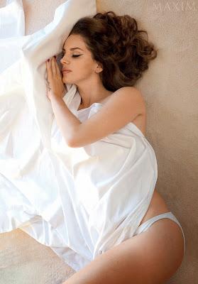 Lana Del Rey poses semi naked for Maxim magazine December Januari 2014 2015