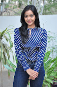 Nithya Shetty dazzling photo shoot-thumbnail-14